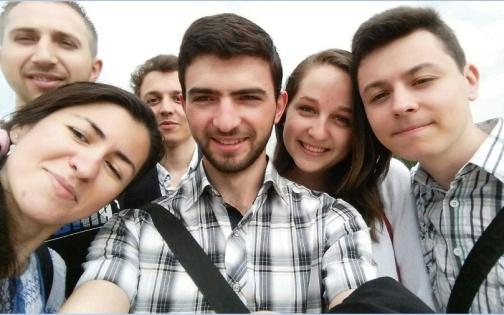 Tinerii-nostri