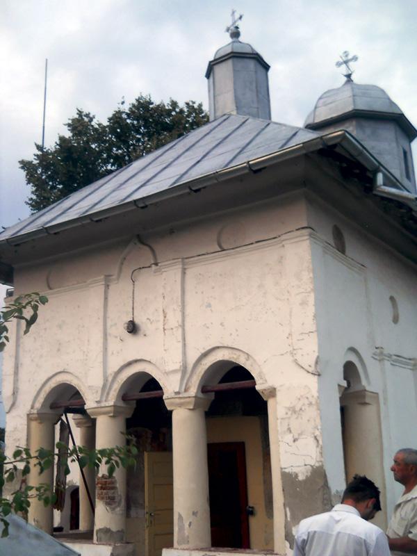 Biserica-din-Corlatesti