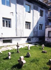Curte-si-cruci-2