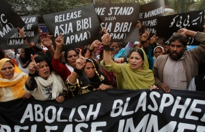 PROTESTORS DEMAND RELEASE OF CHRISTIAN WOMAN FACING DEATH PENALTY AFTER BEING CONVICTED OF BLASPHEMY